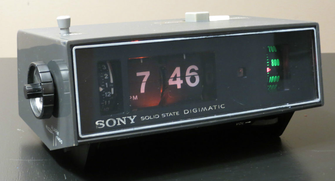 The Sony 8rc 25 Digimatic Am Clock Radio Flip Clock Fans